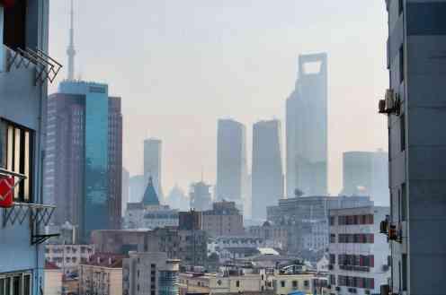 Shanghai - Rascacielos y barrios populares