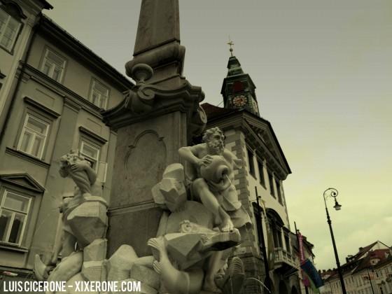 Fuente de Robba y Ayuntamiento de Ljubljana
