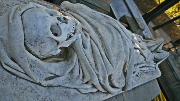Sepultura Dr Farreras y Framis - Cementerio de Montjuïc