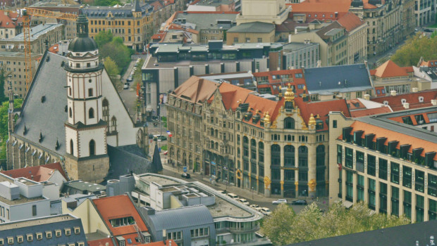 Leipzig Thomaskirche y Commerzbank desde la torre Panorama