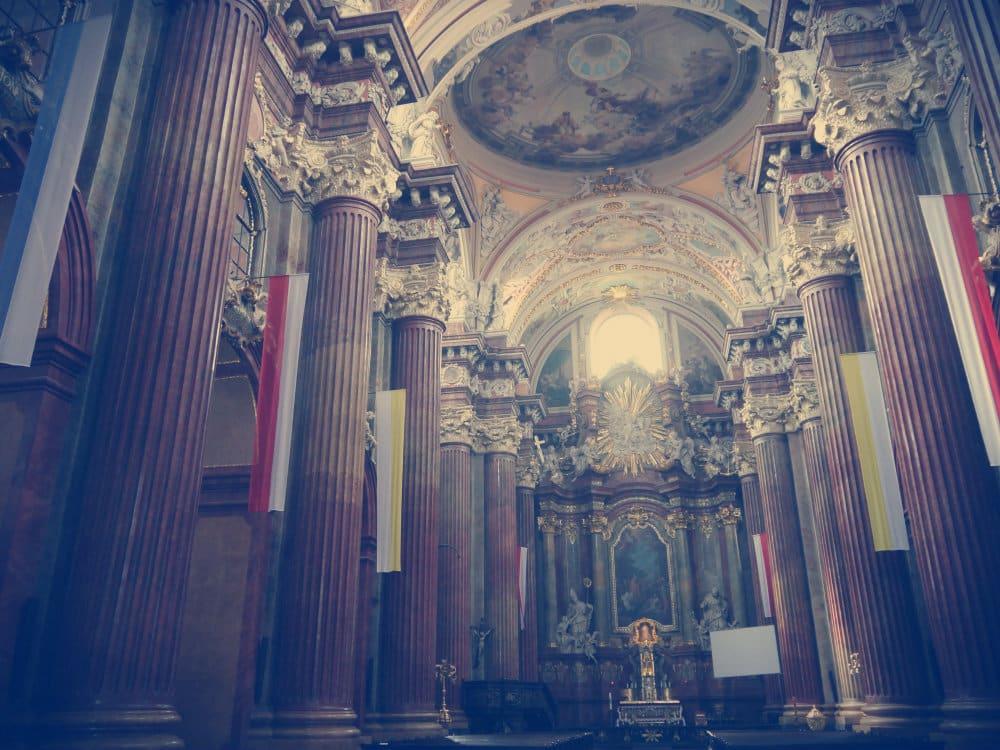 Interior Basílica Menor de Poznan