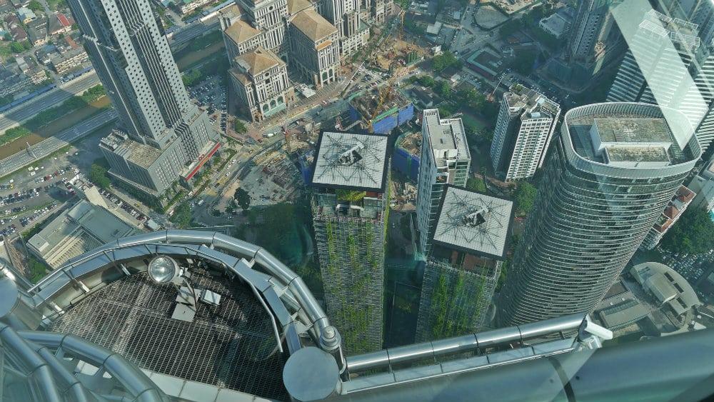 Vistas desde la plataforma de observación de las torres gemelas de Petronas