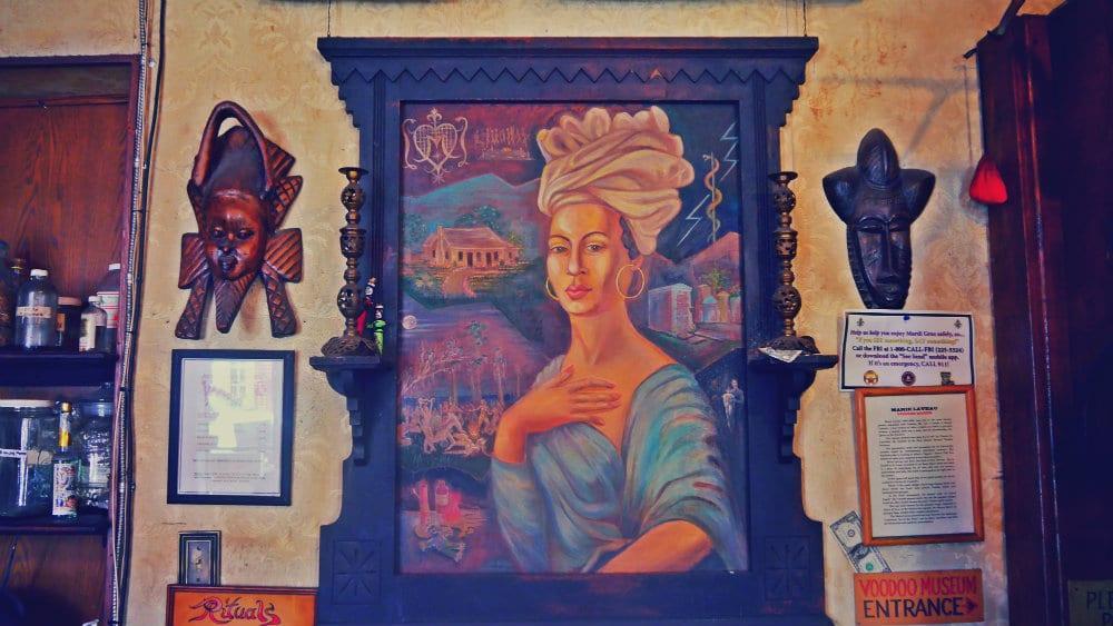 Cuadro de Marie Laveau en el Historic Voodoo Museum de Nueva Orleans