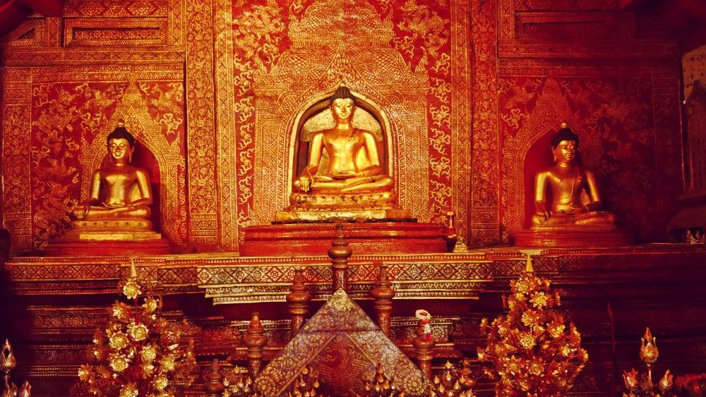 Buddhas de época medieval - Wat Phra Singh