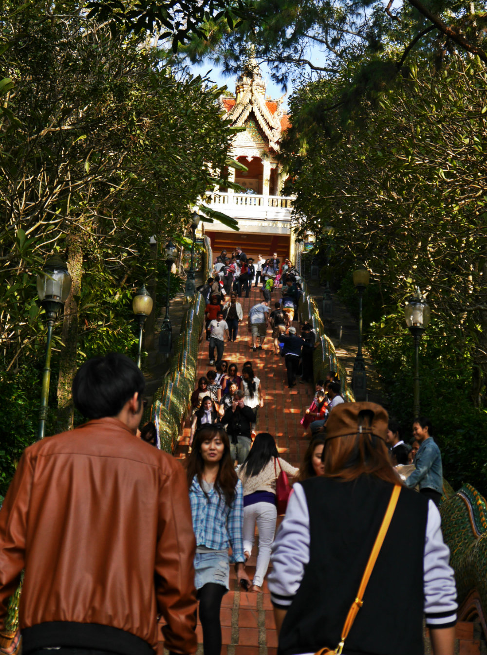 Escaleras del Wat Phra That Doi Suthep