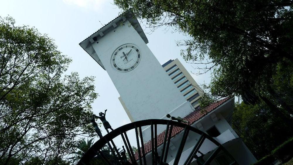 Torre del Reloj en Parque Lincoln - Polanco