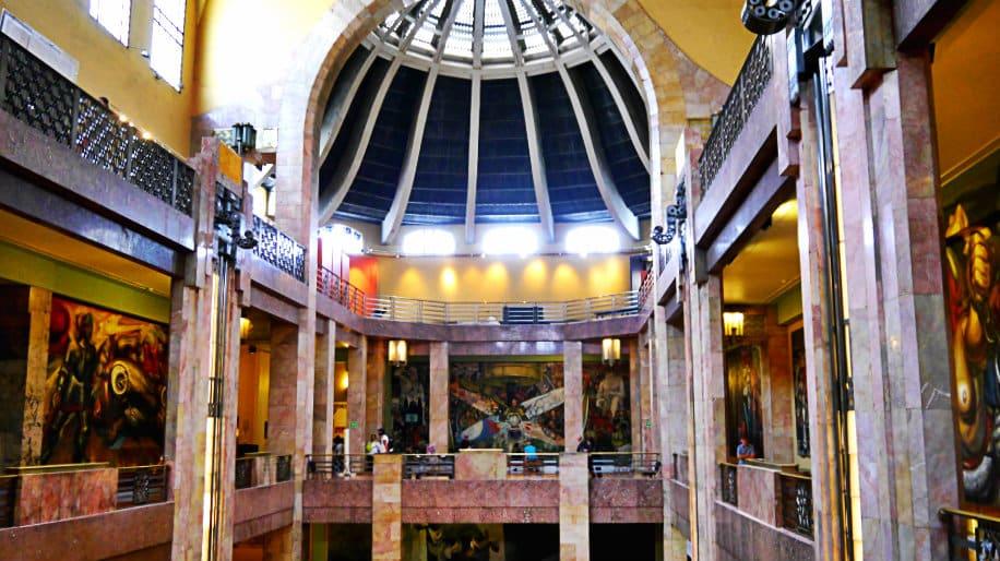 Interior del Palacio de Bellas Artes - Museos de Ciudad de México