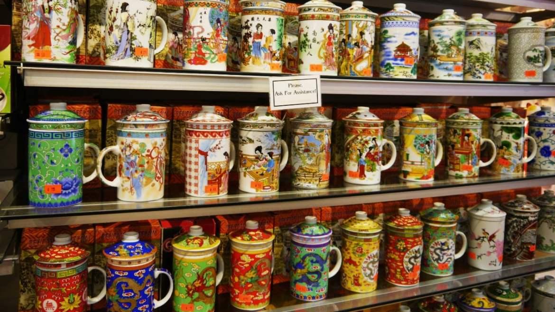 Tienda de porcelanas tradicionales en el Chinatown de San Francisco