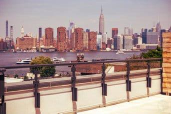 Vista de Manhattan desde Greenpoint, una de las mejores zonas donde dormir en Brooklyn