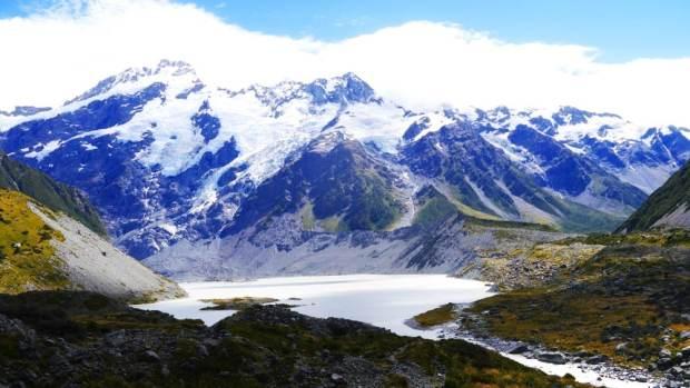 Vista del Mount Cook y uno de sus glaciares