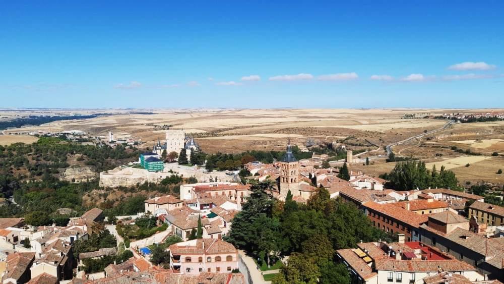Vistas de Segovia y el Alcázar desde la torre de la catedral