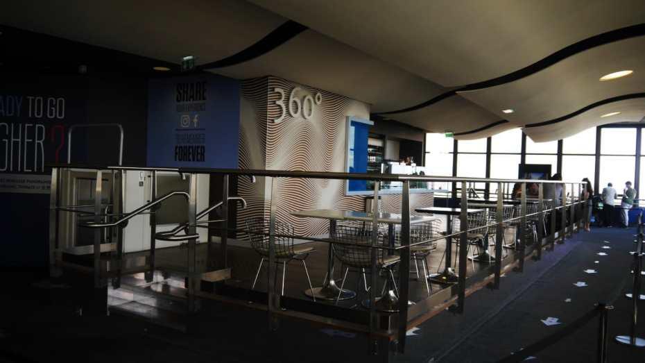 Planta 56 de la Tour Montparnasse donde se encuentran el bar y las exposiciones fotográficas