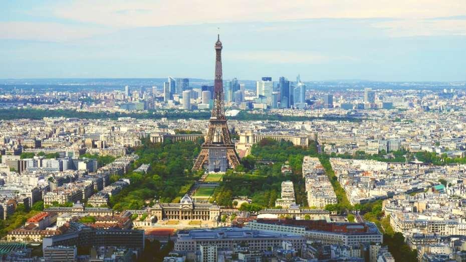 Vistas de la torre Eiffel desde la planta 58 de la torre Montparnasse