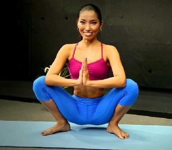 Malasana sau Postura Yoga Squat
