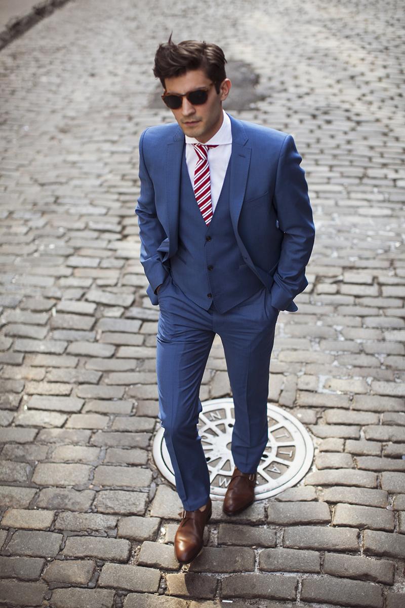 Cravate slim rosii in dungi pentru barbati