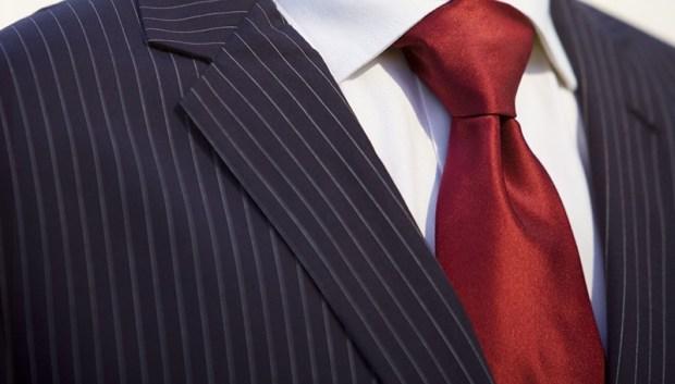Cravate bordo - tendinta sezonului