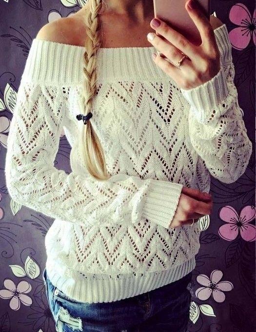 Нежный пуловер спицами