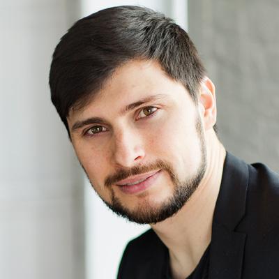 Антон - руководитель студии дизайна