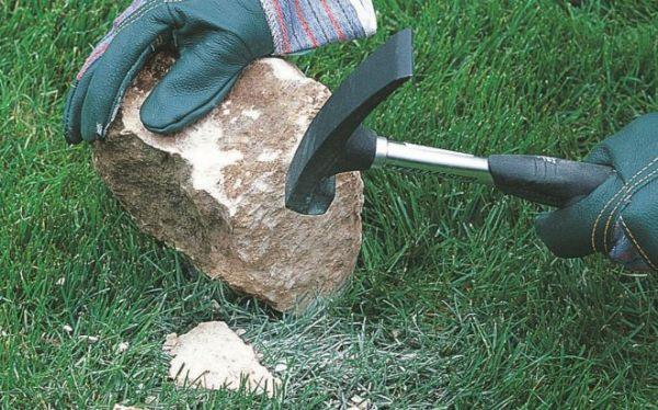 Как построить прочную каменную стену на участке