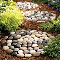 Декоративная галька в саду — изготовление дорожек, тропинок, ковриков, корзин 4