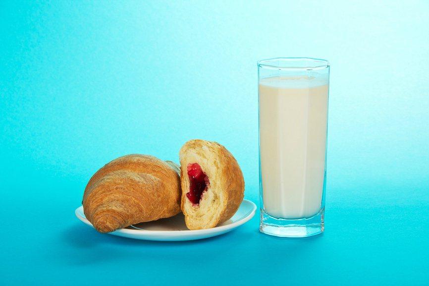чем можно заменить молоко за вредность