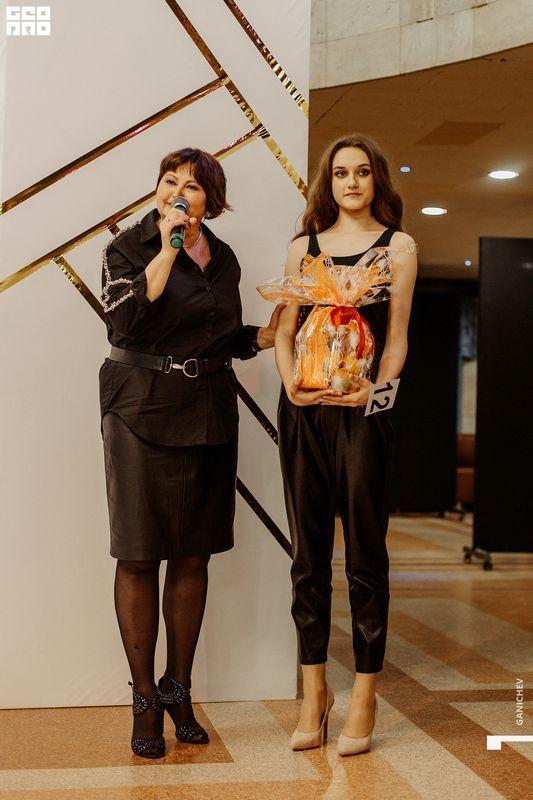 Выпускной шоу-показ модельного агентства Viva Models – Г. КИРОВ – Ganichev – 28 мая—92
