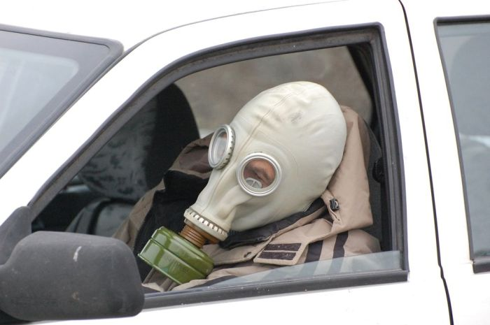 Как избавиться от неприятного запаха в автомобиле?