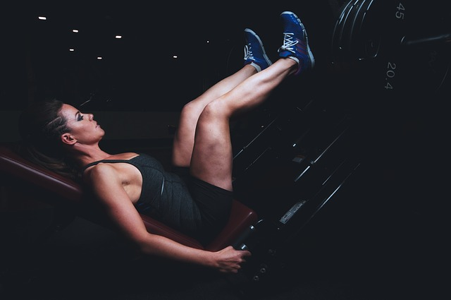 腹筋を割る筋トレ方法