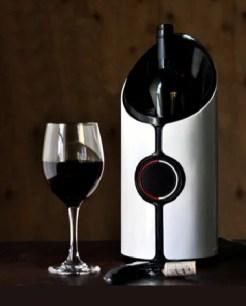 熟成葡萄酒的商品「Sonic Decanter」