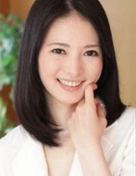 白咲奈々子 (しろさきななこ / Shirosaki Nanako)