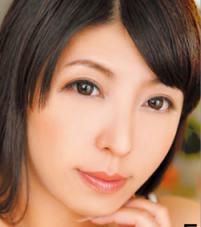村上涼子(むらかみりょうこ / Murakami Ryoko)