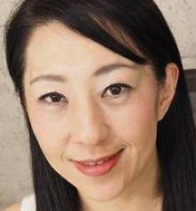 朝宮涼子 (あさみやりょうこ / Asamiya Ryoko)