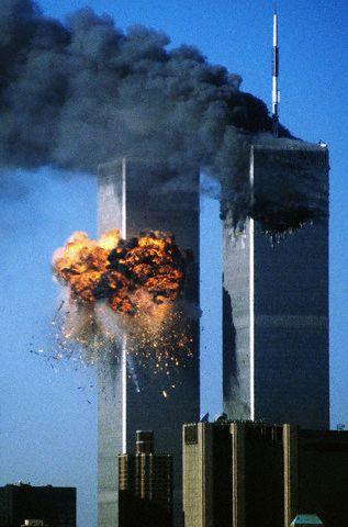 アメリカ同時多発テロの目的や原因とは?子供にもわかりやすい!なぜ9・11は起こったか?イラク戦争との関係をわかりやすくシリーズ