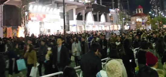 ルミナリエ混雑 元町駅