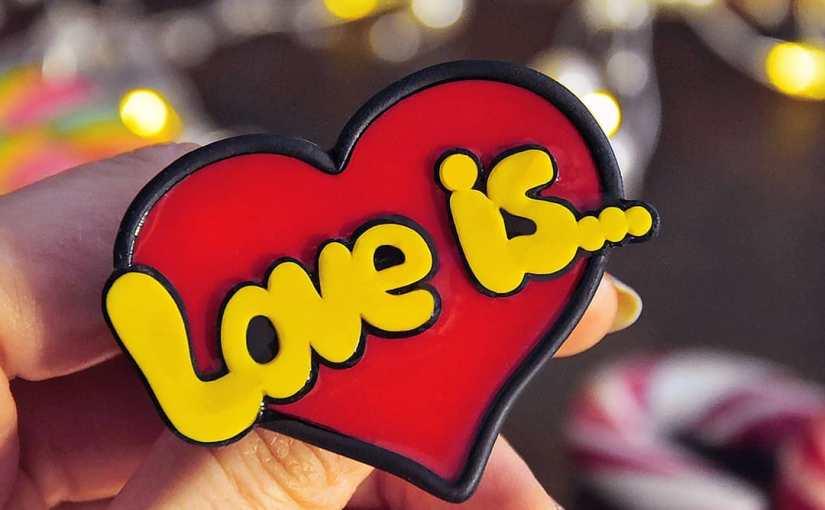 Брошь Love Is