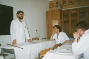 Занятия ведет один из сибирских учеников Левита В. Саяпин