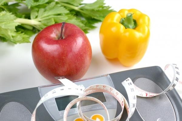 リンゴと体重計