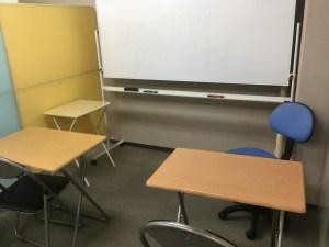 徳島市で数学、英語、理科の学習塾、藤原塾の少人数授業スペースです。