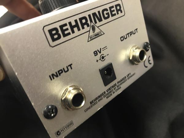 BEHRINGER VP1 4