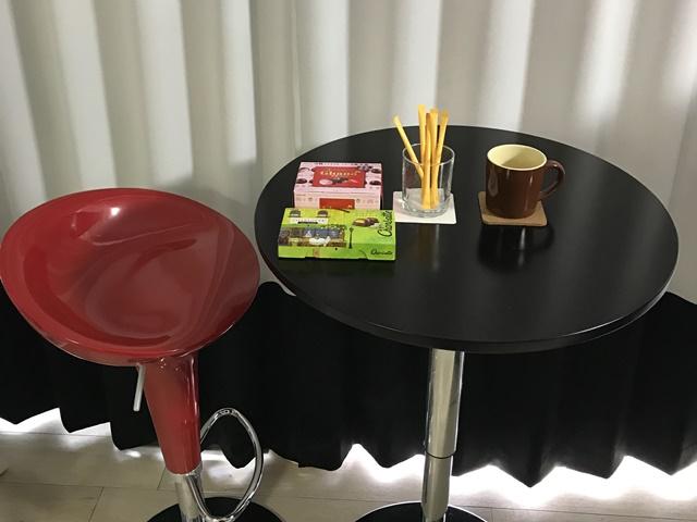 コーヒーカップと親菓子