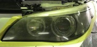 BMW ヘッドライト黄ばみ磨き 施工前