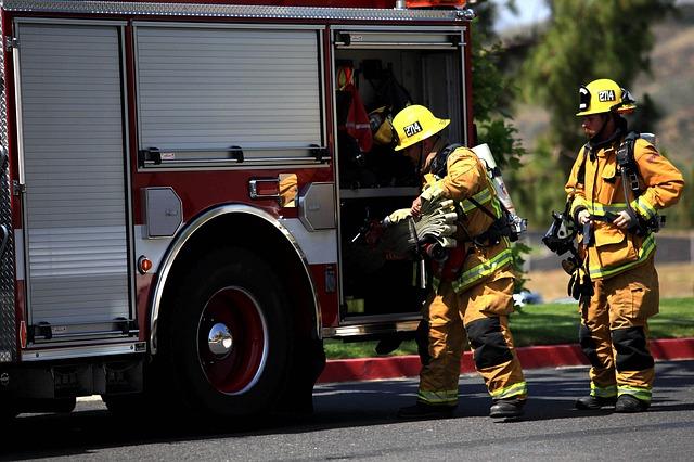 brannmenn brannslukking