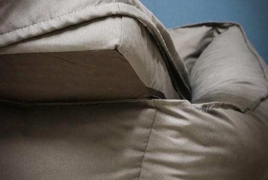Hygiene leicht gemacht – Der Anti-Haar Bezug aus Polyester für das Bürohundebett