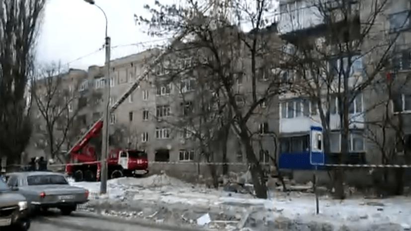 «Четыре человека могут находиться под завалами»: спасатели работают на месте взрыва газа в Ростовской области
