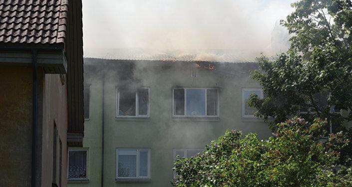 Последствия взрыва в жилом доме на улице Нису