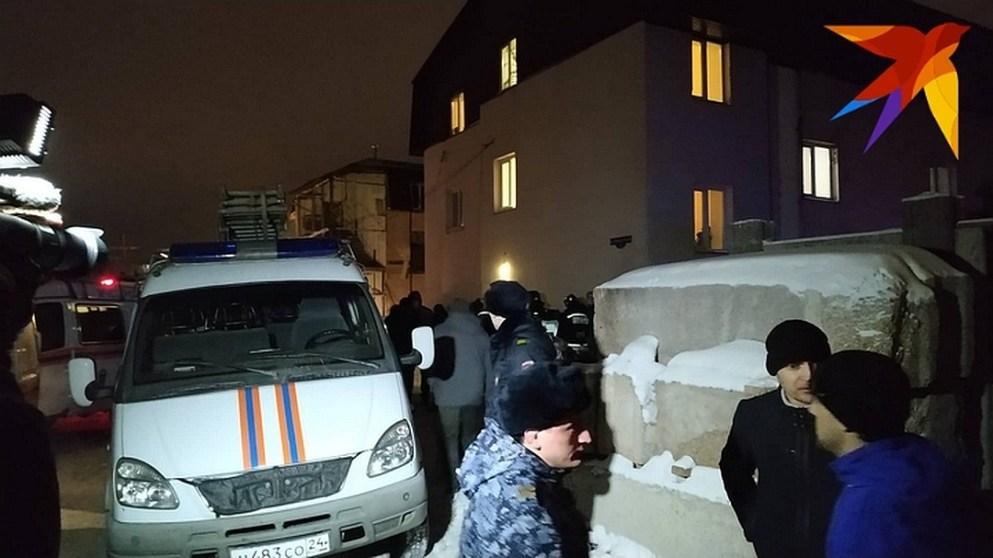 На месте работают оперативные службы Фото: Мария МИШКИНА