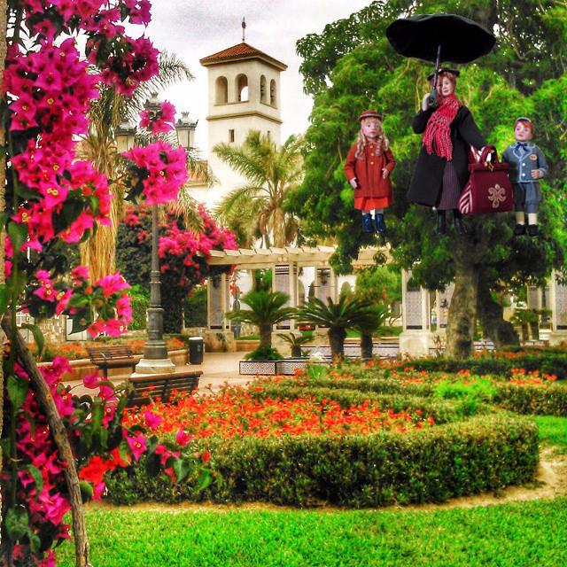 Mary Poppins en la Plaza de España de Almería