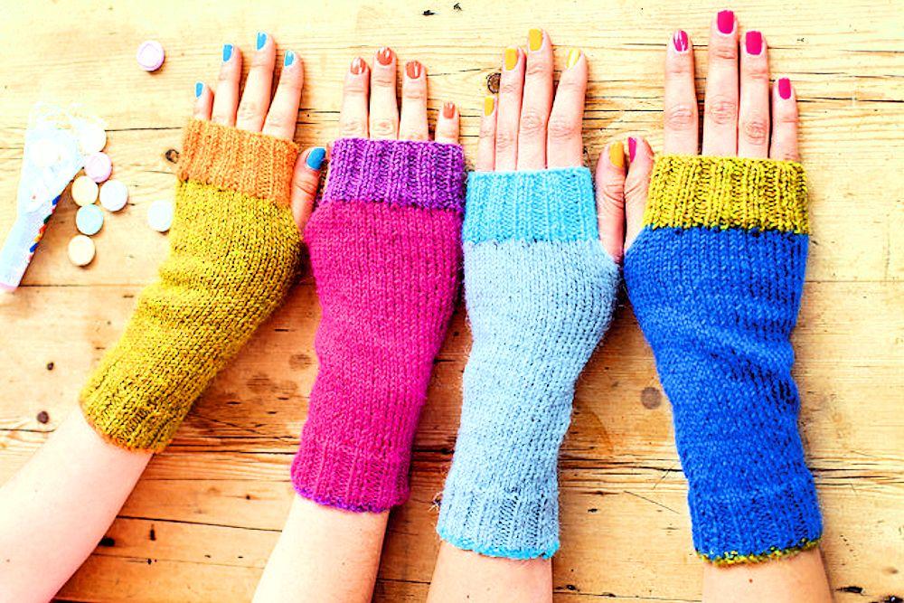 1/2ページ手が冷たい人に朗報!既製品っぽい可愛い手編みの手袋31選