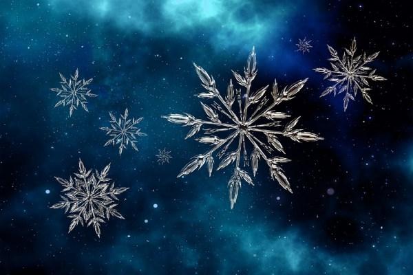 東京で54年ぶり11月に初雪観測したよ記念!雪の結晶の無料(フリー)図案6種類【編込み柄・クロスステッチ・アイロンビーズに】