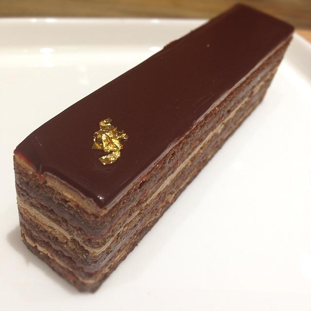 チョコレートケーキ カロリー